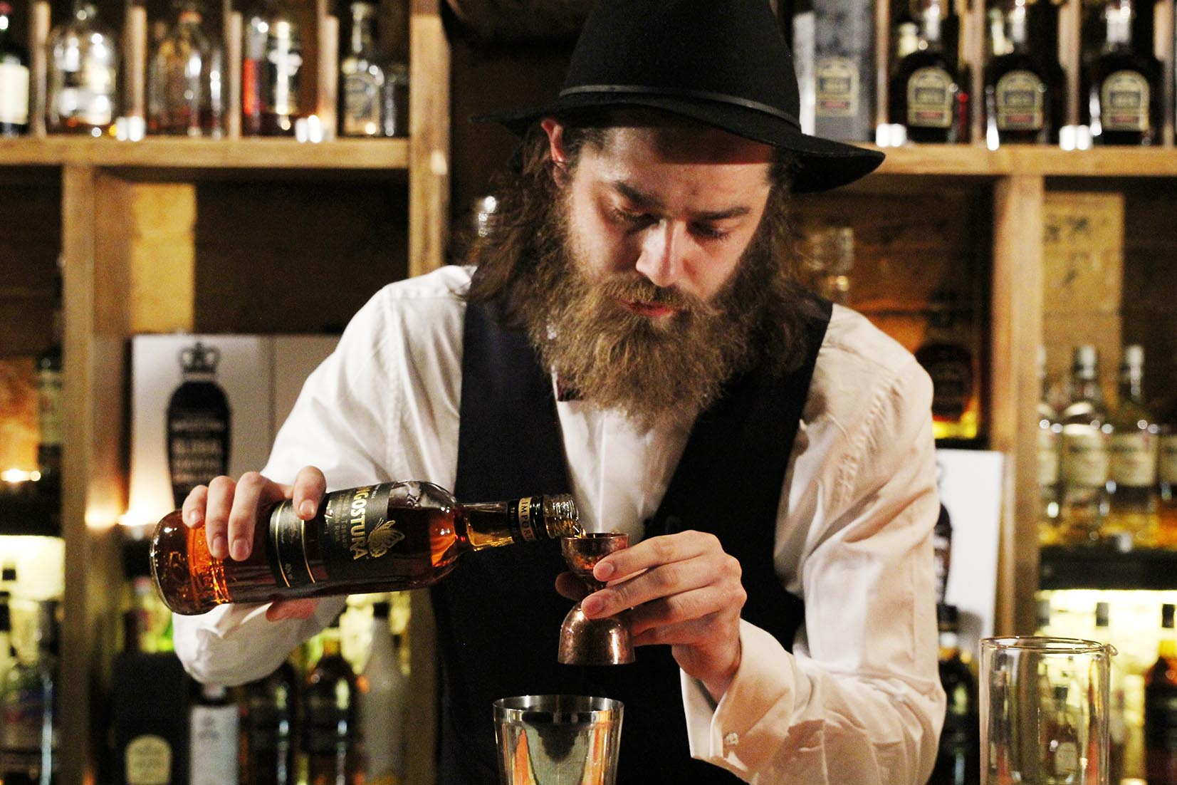 Mixologists Compete for Title 2