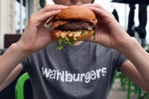 Wahlburgers One Step Closer to NZ